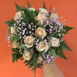 Bouquet de roses pêche